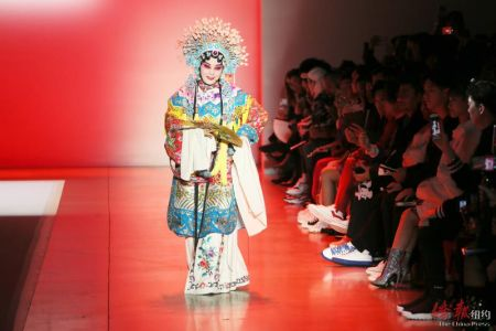 图为京剧片段惊艳观众。(图均管黎明摄)