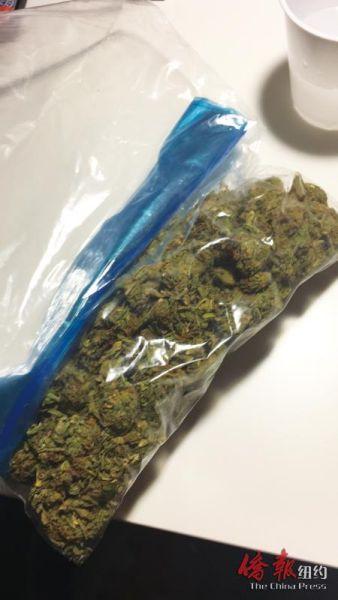 在纽约州持有25克以上大麻仍属违法行为。